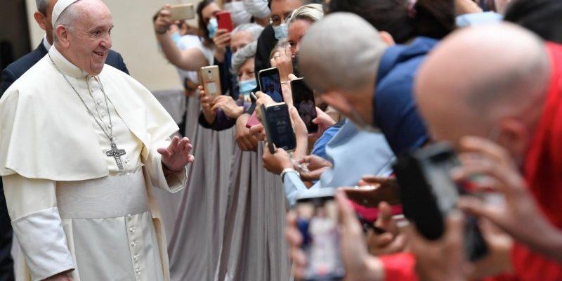 """Catequesis Del Papa Francisco """"Curar El Mundo"""""""